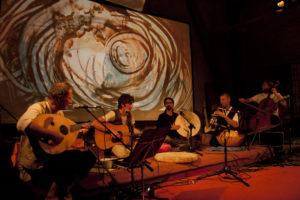 Musik & Sandmalerei